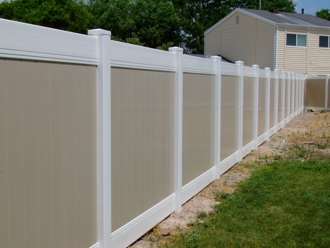 Pricing genis vinyl fence